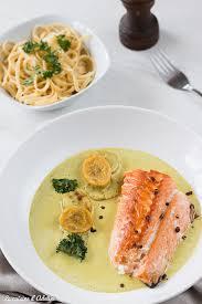 comment cuisiner le pavé de saumon pavé de saumon au lait de coco la cuisine d adeline