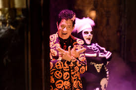 party city halloween return policy tom hanks u0027s new snl character is already a halloween legend time com