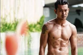 aktor indonesia pemilik tubuh kekar bikin cewek terpesona deh