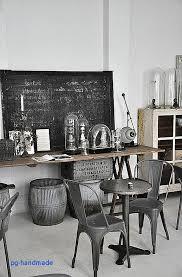 plante verte dans une chambre à coucher table de cuisine pour meuble industriel pas cher impressionnant