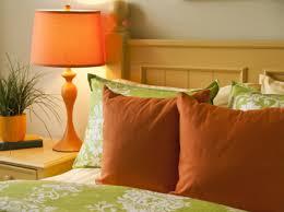 Schlafzimmer Bunt Einrichten De Pumpink Com Wohnzimmer Welche Farben Passen Zusammen