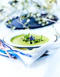 cuisiner asperges vertes fraiches potage aux asperges vertes pour 4 personnes recettes à table