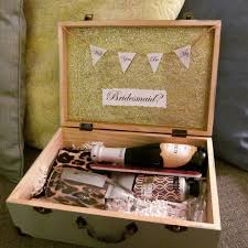 bridesmaid boxes 32 best bridesmaids boxes images on be my bridesmaid