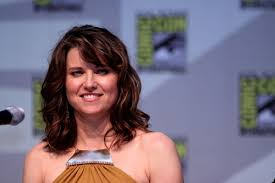 zena the warrior princess hairstyles lucy lawless xena warrior princess might be making a comeback on