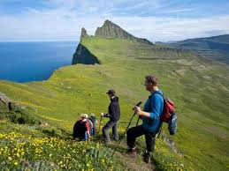 hiking vacations in iceland