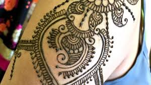 top 5 trendy shoulder henna designs for summer henna