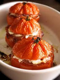 cuisiner coeur de boeuf tomates coeur de boeuf au bacon et à la ricotta cookismo