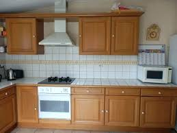 repeindre une cuisine en chene vernis meuble cuisine en chene une repeindre meuble cuisine en chene