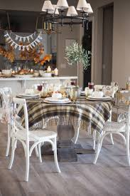 tips for throwing together a simple friendsgiving tablescape
