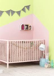 couleur chambre enfant mixte deco chambre enfant mixte inspirant chambre bébé fille en nuances de