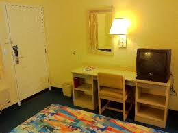 Small Desk Ac Bed Night Table Corner Table Window And Ac Picture Of Motel 6