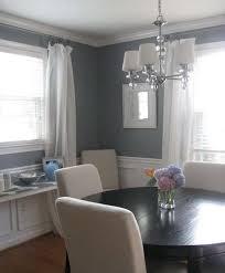 pareti sala da pranzo due colori in una stanza sala da pranzo con pareti grigio e bianco