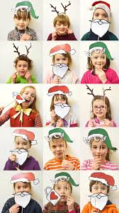 mollymoocrafts christmas photobooth for kids