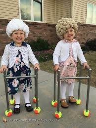 easy diy adorable twin old ladies costumes halloween costumes