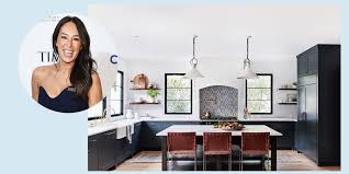 joanna gaines farmhouse kitchen with cabinets 25 joanna gaines inspired design tricks to live by lonny