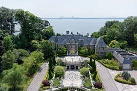 gatsby mansion the great gatsby mansion is for sale apartment therapy
