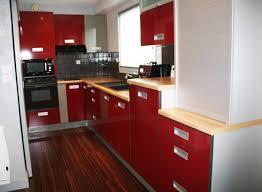 cuisine bois laqu meuble cuisine laqu finest cuest une cuisine intgre laque
