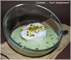 cuisiner oeufs oeufs à la neige à la pistache cuisiner tout simplement le