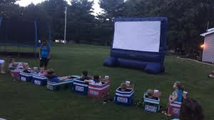 Backyard Outdoor Theater by Ohio Aunt Creates Elaborate Backyard U0027drive In U0027 Theater For The