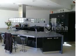 cuisine laqué noir cuisine aménagée laqué de couleur noir neha cuisine en normandie 76