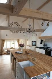 ilot central cuisine bois cuisine cuisine équipée avec ilot central plan de travail en bois
