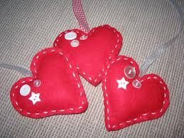 bakes and makes felt hearts
