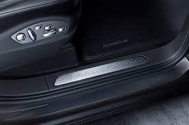 Porsche Cayenne Interior - porsche cayenne and cayenne s e hybrid get platinum edition trim