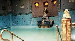 bagno termale e piscina széchenyi la delle acque budapest e le sue terme il messaggero it