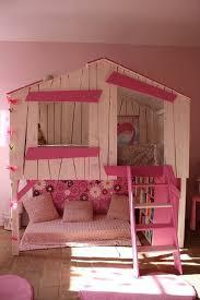 cabane fille chambre un lit cabane pour les filles chambres à thème pour enfants