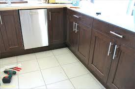 boutons de porte de cuisine bouton de placard cuisine poignee de placard cuisine poignee porte