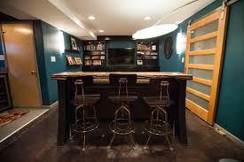 extra seating bar with stools adds extra seating for this small room