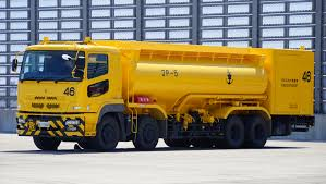 mitsubishi fuso truck file jmsdf 20000ℓ fuel truck mitsubishi fuso super great in