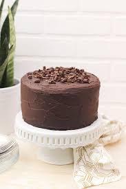 paleo chocolate cake with dark chocolate ganache frosting gluten