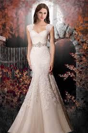 sleeveless wedding dress trumpet organza neckline lace up sleeveless wedding dress