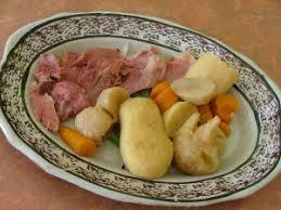 cuisine jarret de porc jarret de porc en cocotte le de omvm