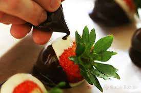 Where To Buy Chocolate Strawberries How To Make Chocolate Dipped Tuxedo Strawberries Recipe