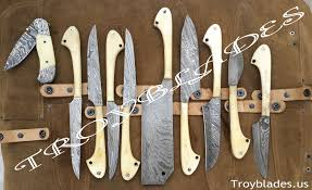 handmade damascus outdoor kitchen knives set with 4 steaks and one