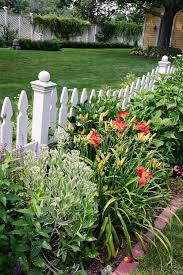 Types Of Fencing For Gardens - 68 best gates and fences part 1 images on pinterest backyard