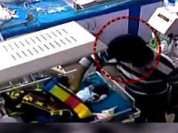 shocking hospital ward boy breaks of a 3 day infants leg