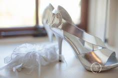 wedding shoes hamilton toronto niagara hamilton wedding photographers and