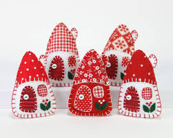 felt christmas ornaments red and white houses u2013 puffin patchwork