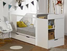 chambre bébé évolutive lit bébé pourquoi opter pour un lit évolutif