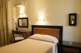 chambre simple chambre simple de hotel karthea pour un séjour à kea
