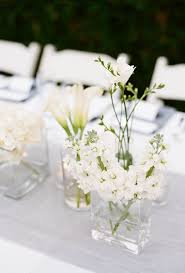 10 simple floral wedding centerpieces brides