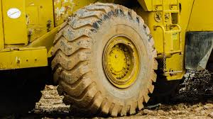 tracteur en bois images gratuites bois tracteur roue véhicule sol jaune