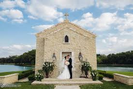 wedding chapels in houston outdoor wedding at houston oaks country club pool wedding