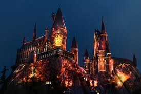 nighttime lights at hogwarts universal studios hollywood casts a dazzling spell on the wizarding