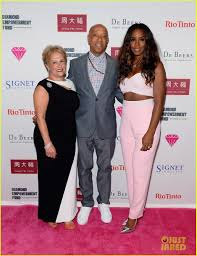 kelly rowland is pretty in pink in vegas for the diamonds in the