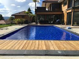 piscine en verre pate de verre bleue marine nacré océan concept mosaïque