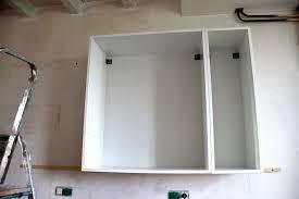 comment fixer un meuble de cuisine au mur comment accrocher un meuble de cuisine au mur linzlovesyou